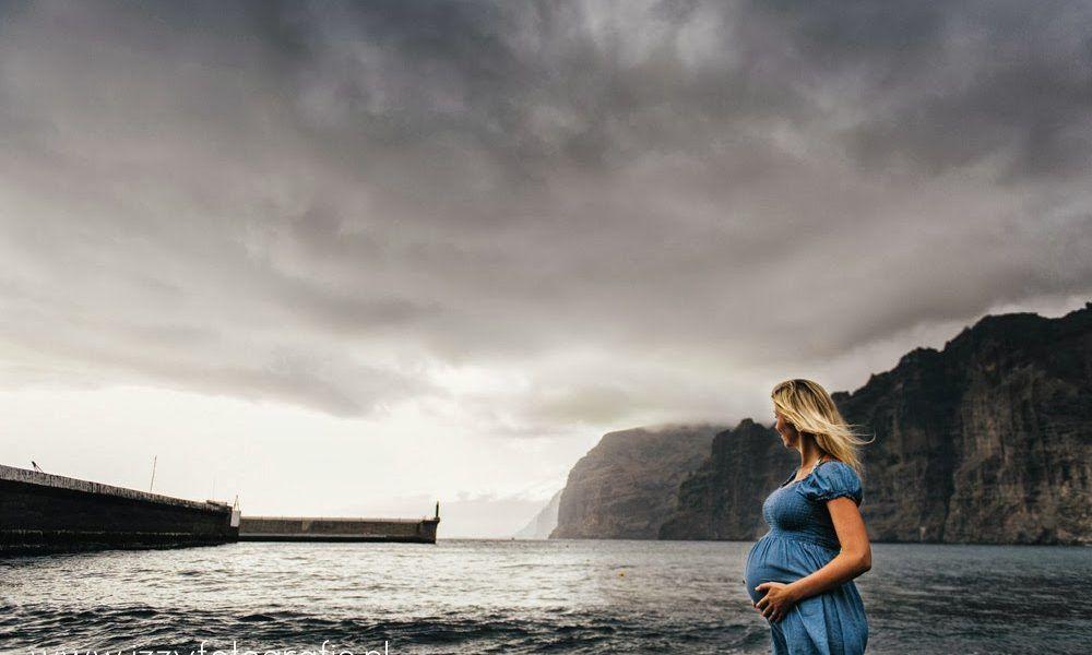 Bolle buik, zee en strand [zwangerschapsfotograaf Den Bosch]