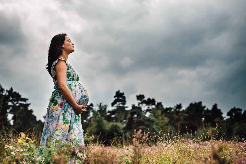 creatieve artistieke stoere zwangerschapsfotografie Eindhoven