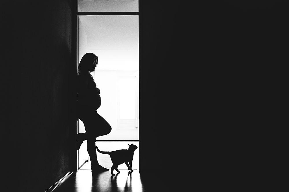 Stoere zwangerschapsfotografie op locatie Rotterdam