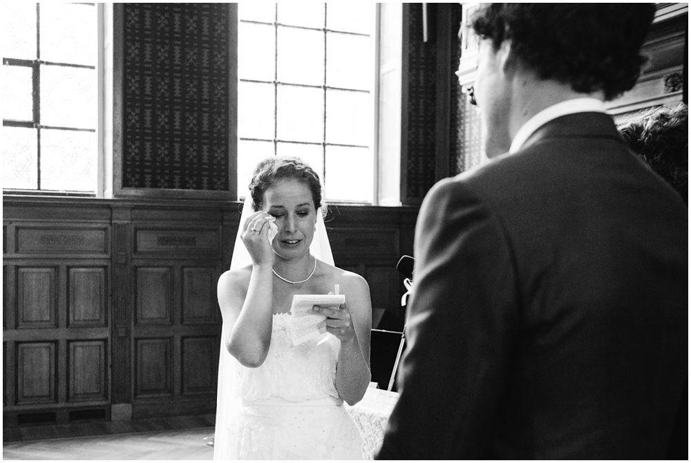 Journalistieke bruidsfotografie fotograaf bruiloft Den Bosch Eindhoven 237.jpg