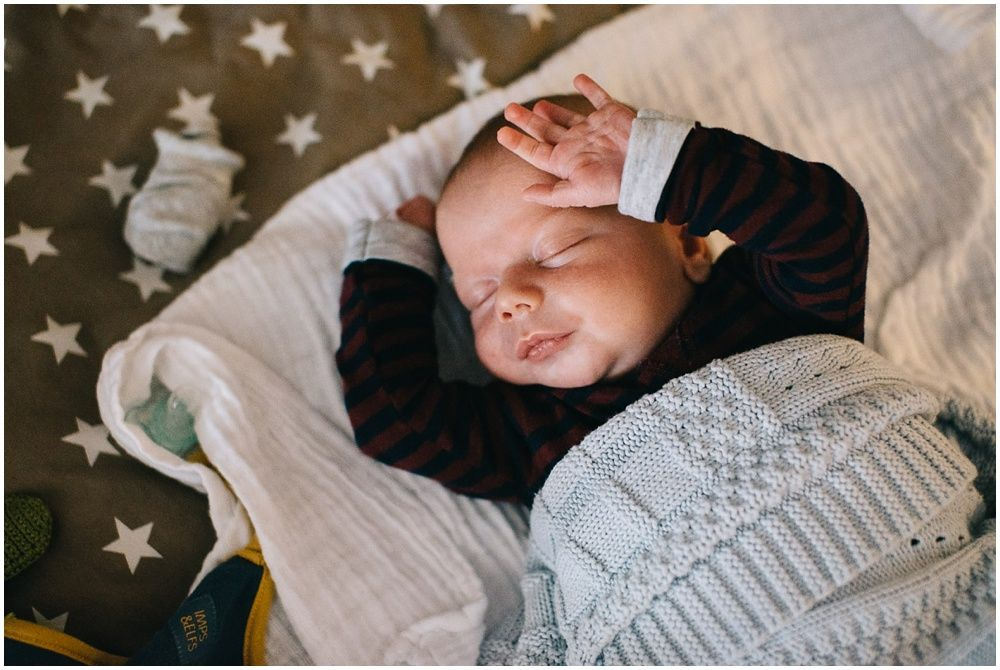 Lifestyle newborn fotografie aan huis Boxtel 001.jpg