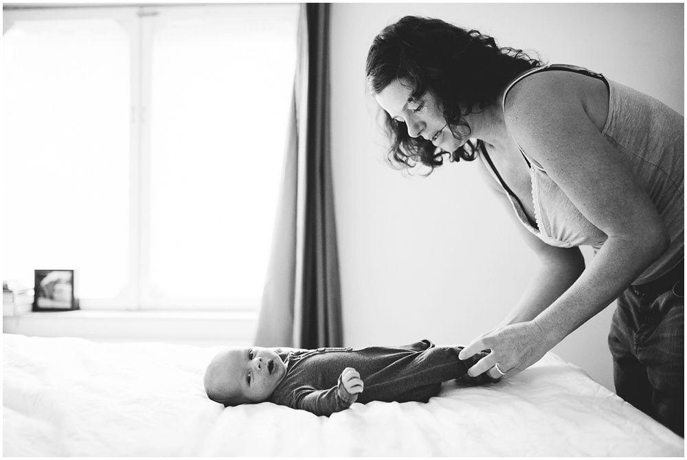 Lifestyle newborn fotografie aan huis Boxtel 004.jpg