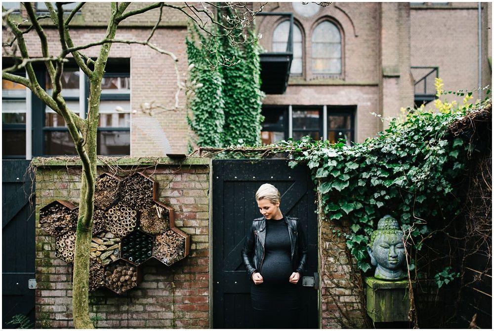 stoere zwangerschapsfotografie Arnhem fotograaf zwangerschap zwangerschapsfoto's stoer