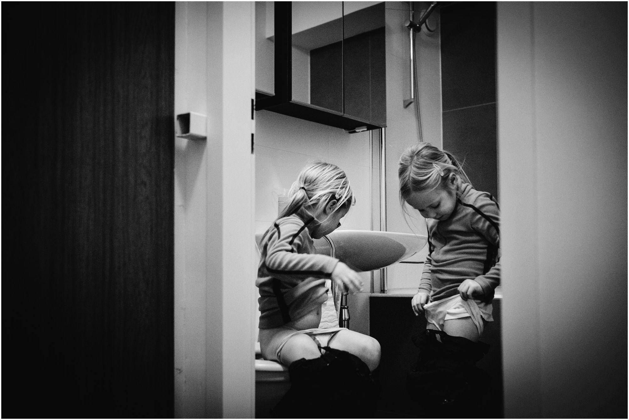 documentaire spontane familiefotografie, fotograaf gezin, natuurlijke kinderportreteen