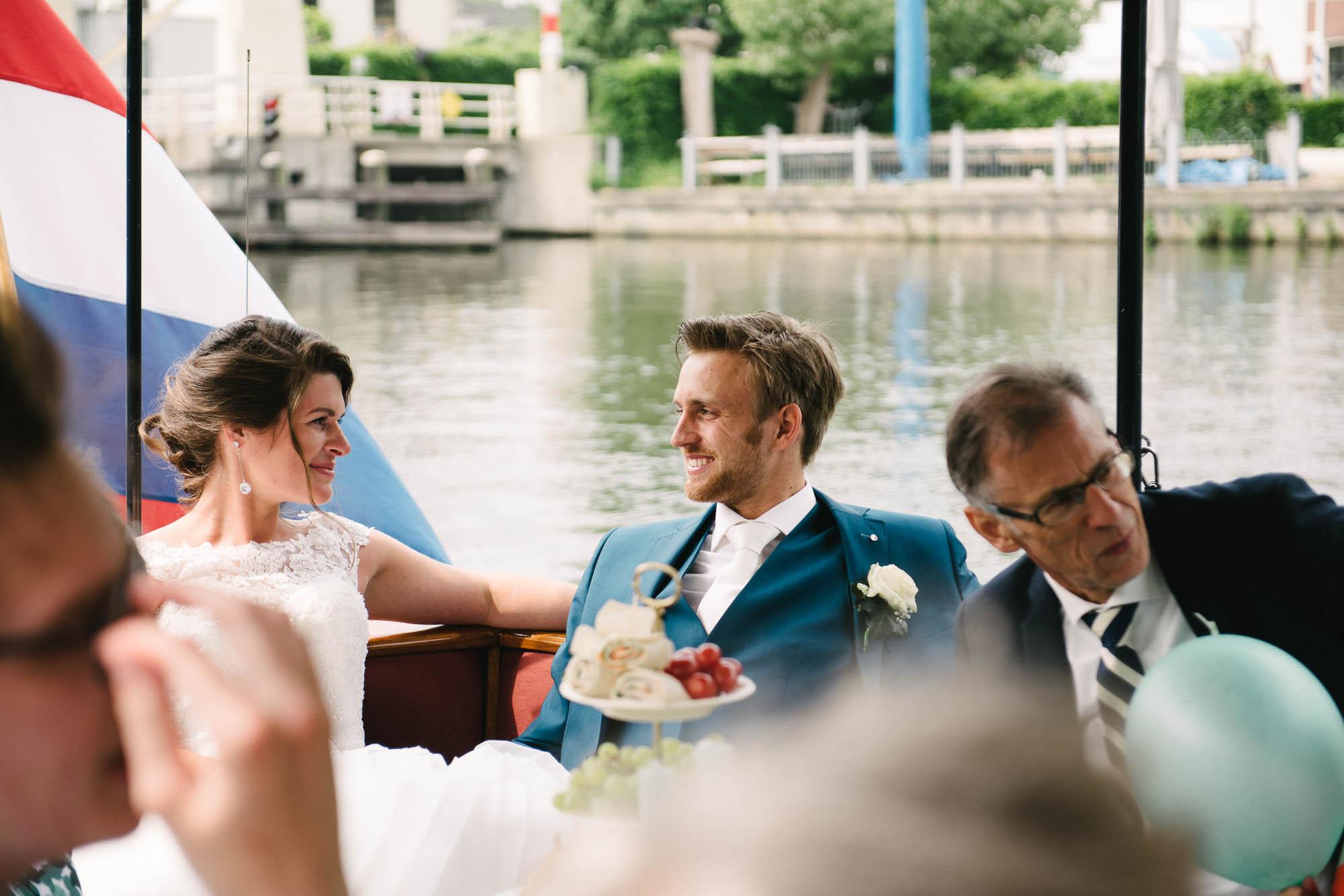 bruidsfotograaf utrecht journalistieke stijl boottocht