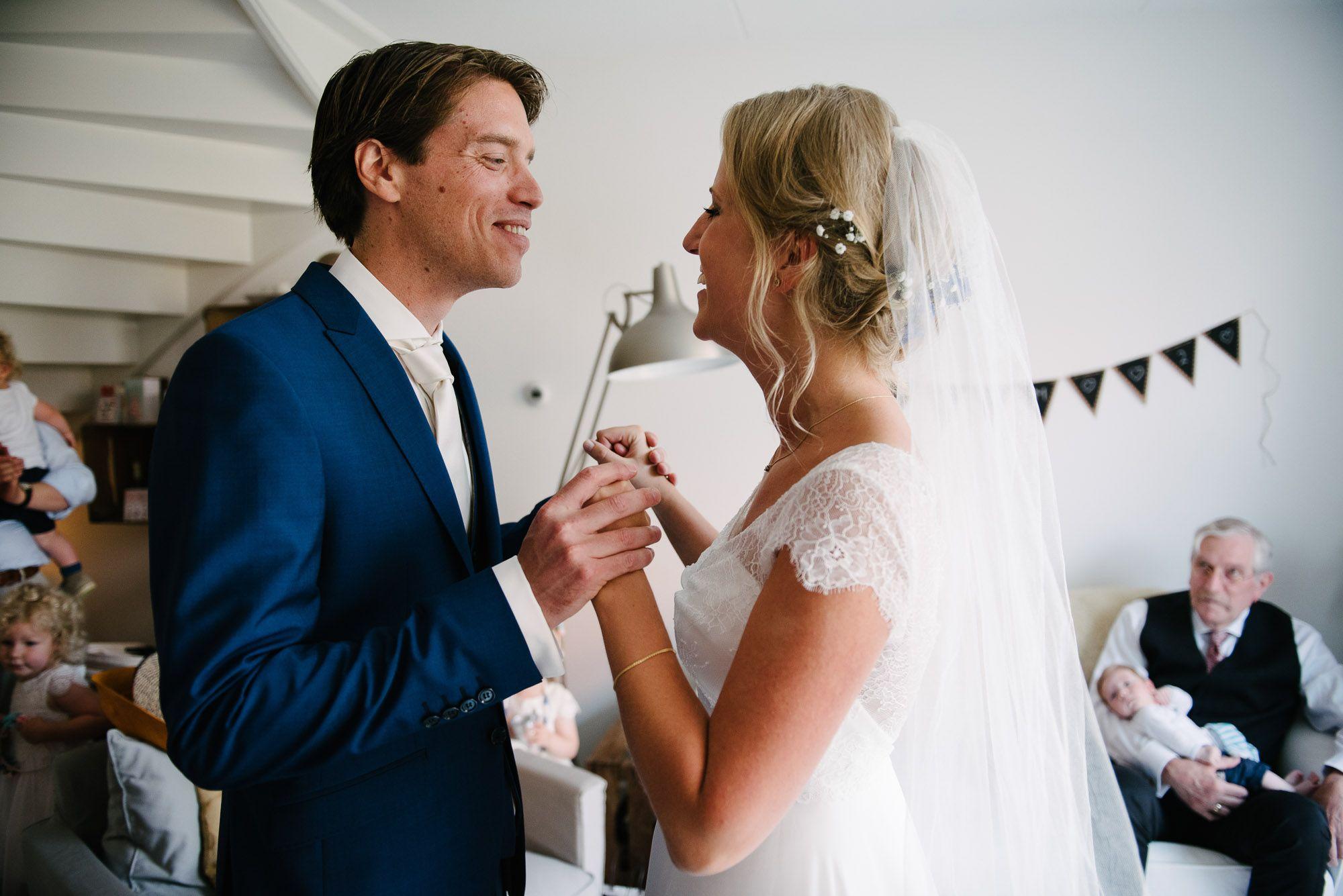 journalistieke bruidsreportage Leiden first look