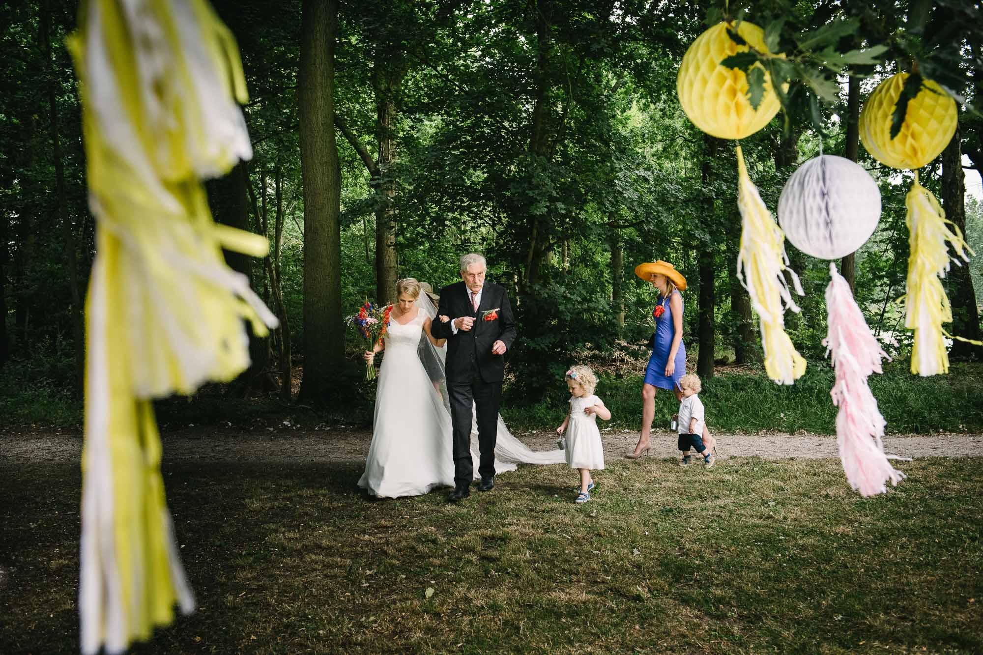 buitenbruiloft Leiden trouwen buiten fotograaf