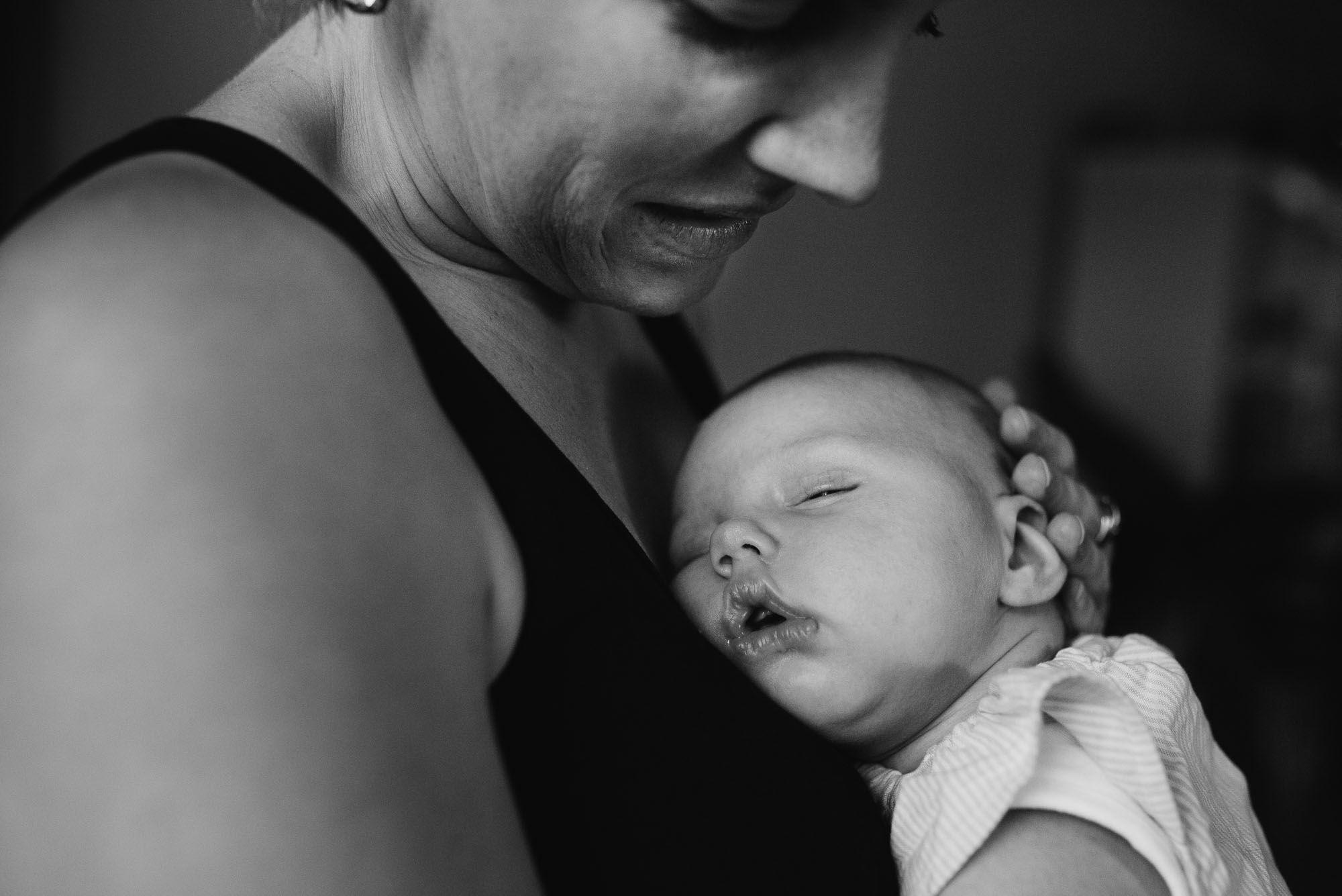 ongeposeerde foto's newborn den Bosch