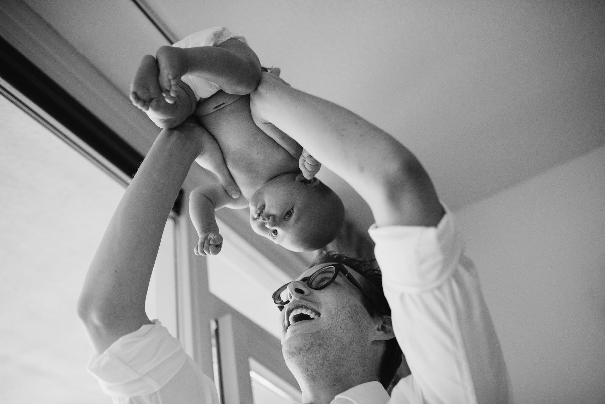 spontane familiefoto's met baby