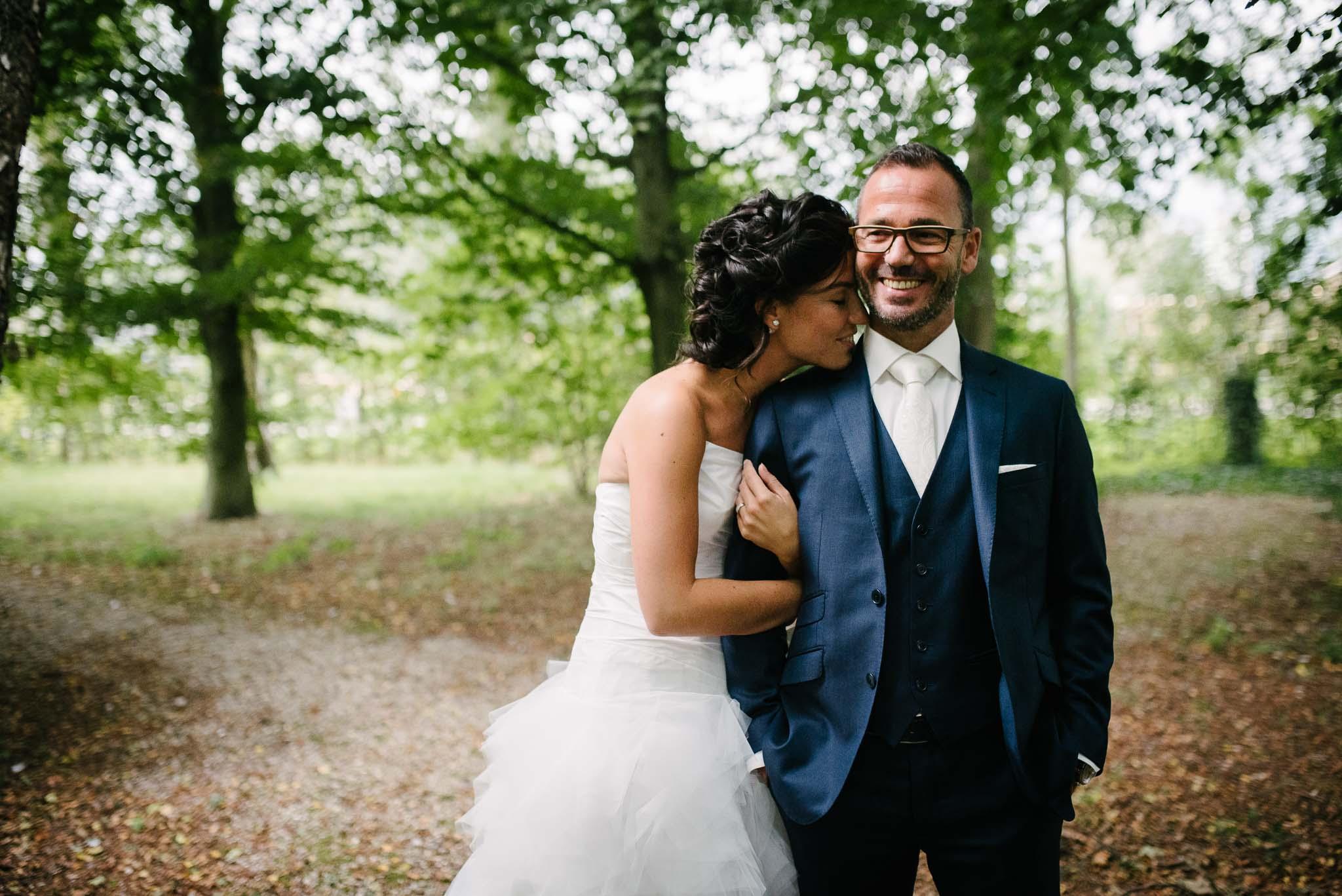 bruidsfotograaf eindhoven fotoshoot bruidspaar natuurlijke foto's