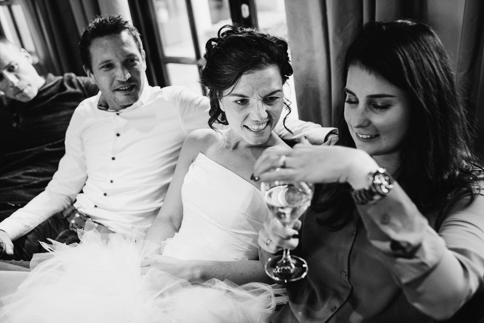 journalistieke bruidsfotograaf eindhoven niet geposeerd