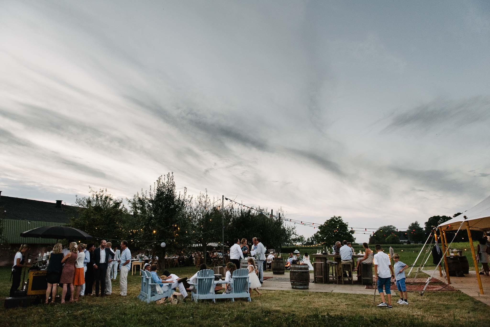 bohemian bruiloft festival stijl weiland