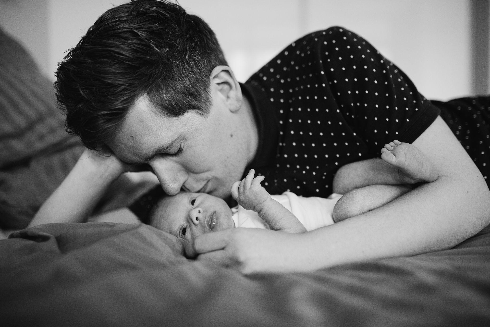 fotoshoot thuis newborn pasgeboren baby fotograaf breda
