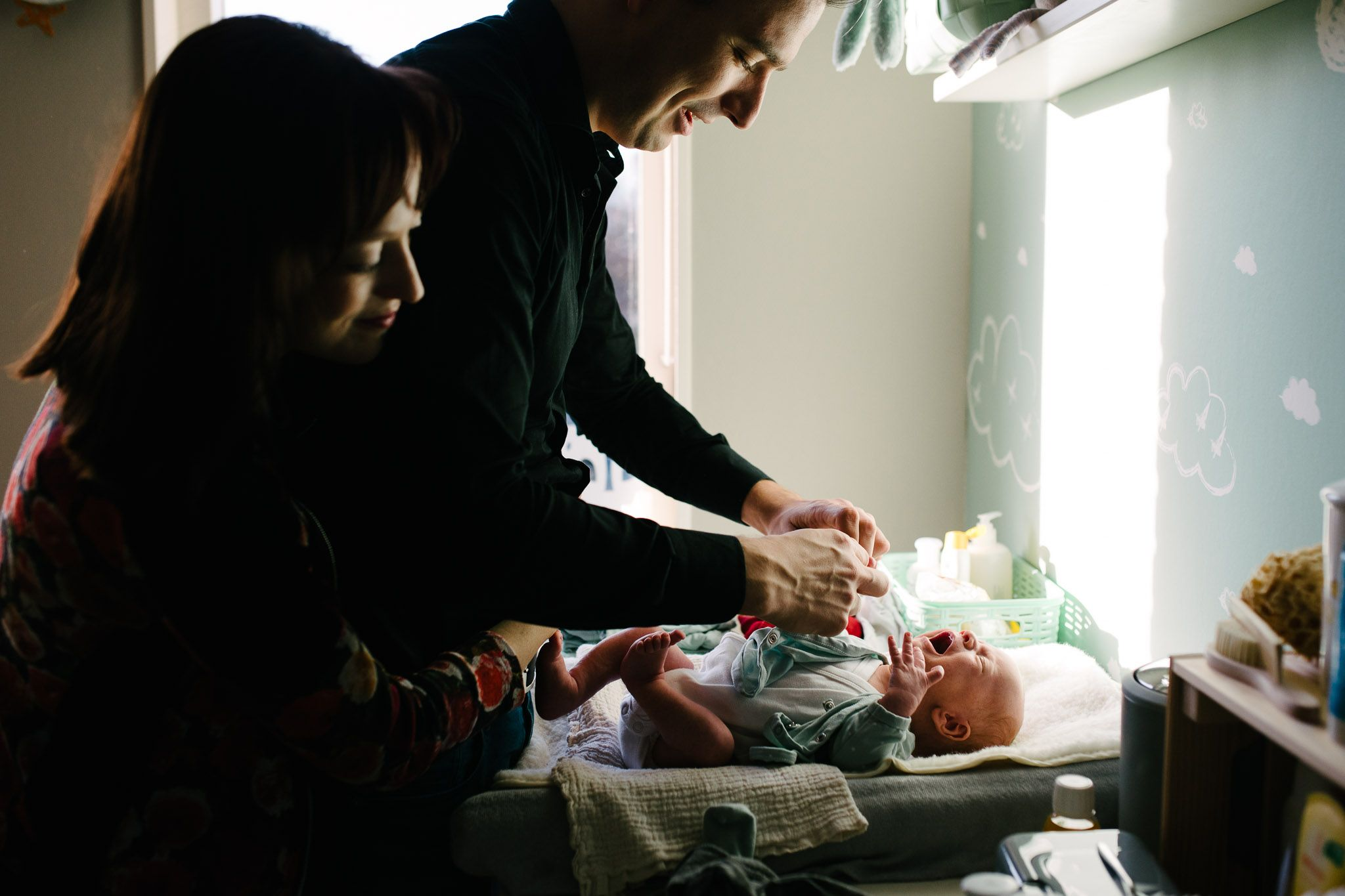 niet geposeerd fotoshoot baby pasgeboren thuis