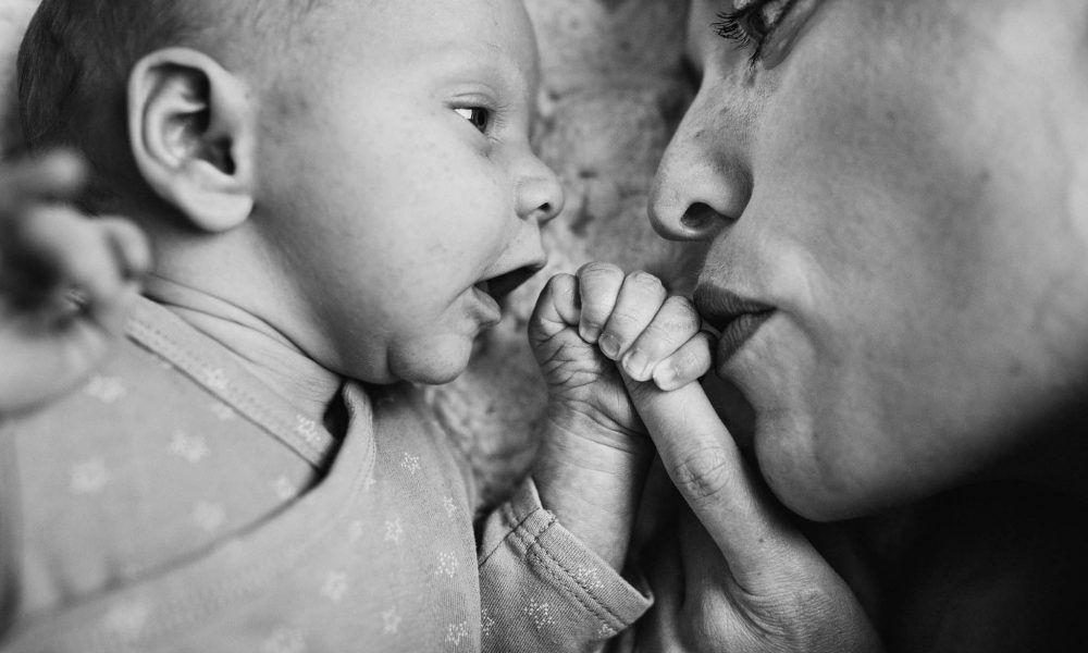 foto's newborn baby thuis lifestyle natuurlijk spontaan