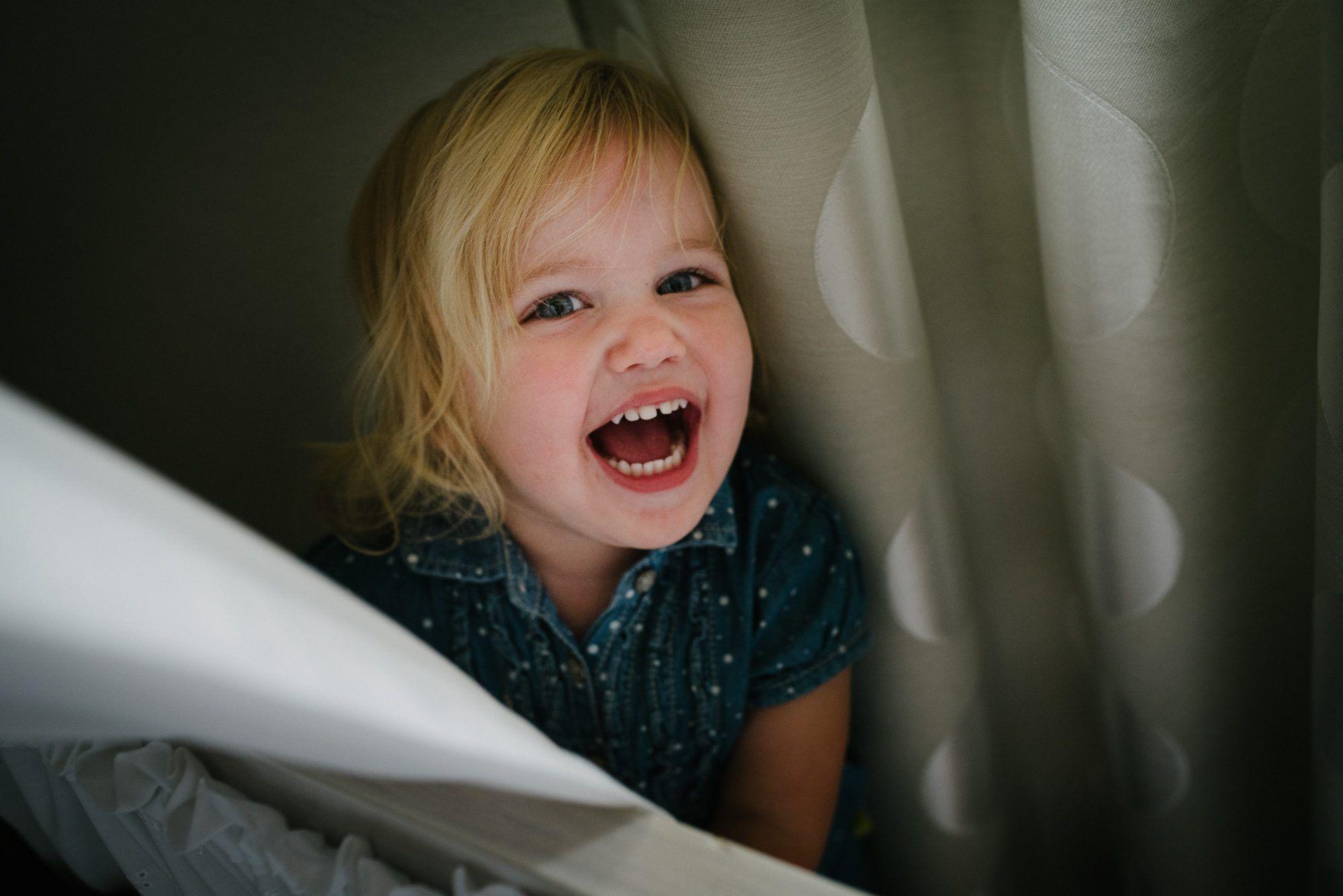 fotoshoot met kinderen thuis niet geposeerd