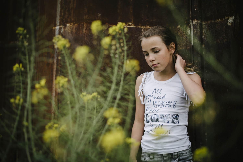 kinderportret meisje buitenlocatie
