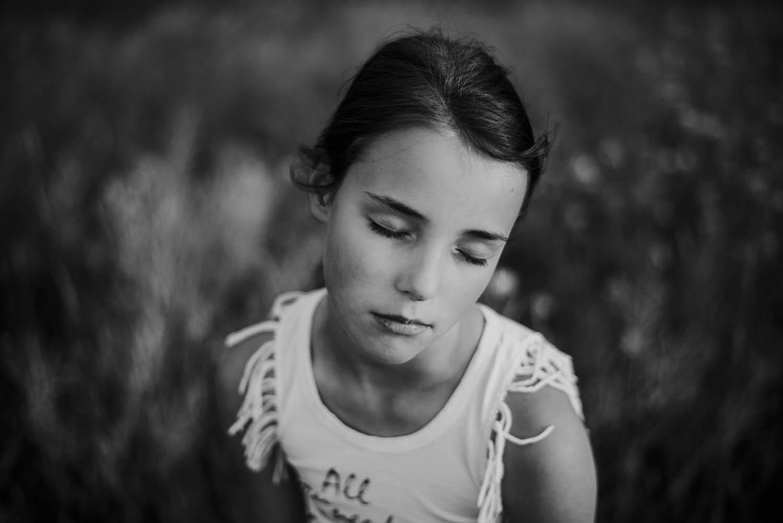 kinderportretfoto buiten meisje